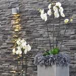 Raumdekoration - Orchidee im Metallständer - Federn - Biancas Blumenstil - Rhön