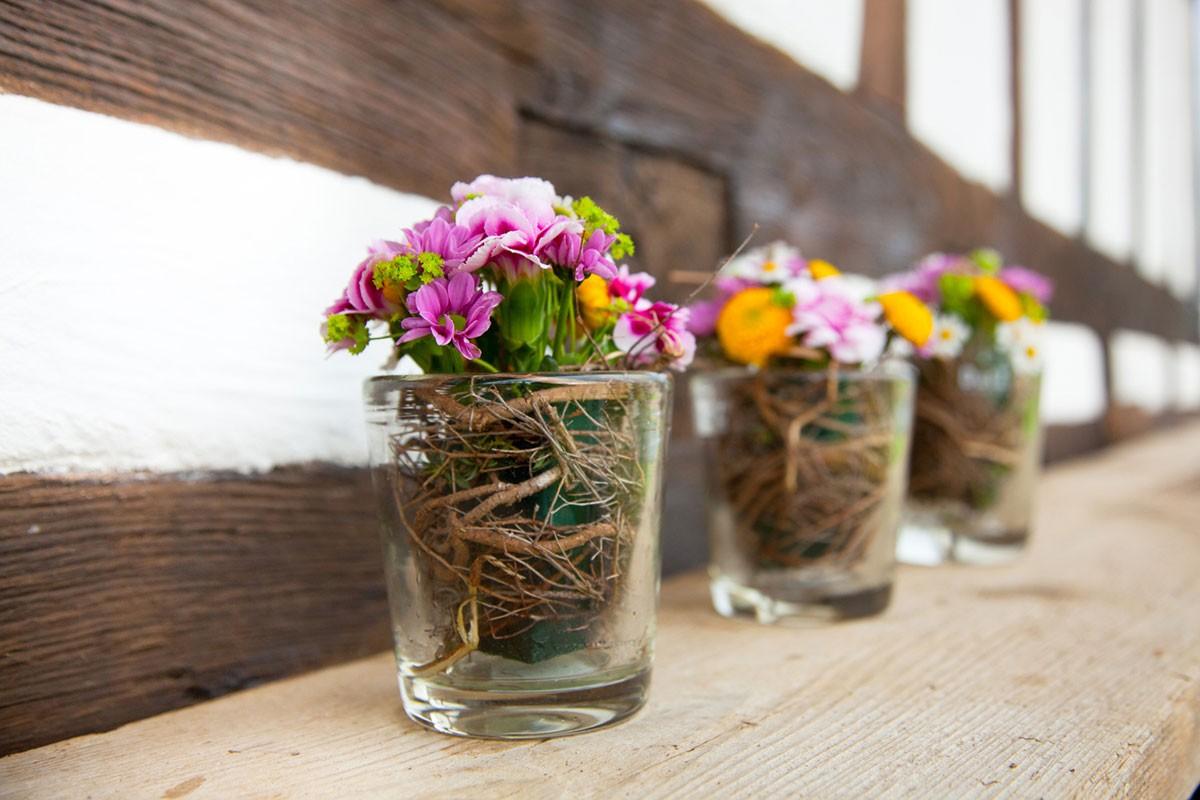 Blumenstrauß Vase Fachwerk Biancas Blumenstil Gersfeld